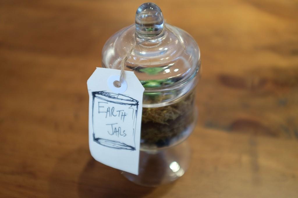 Cocoon earth jar