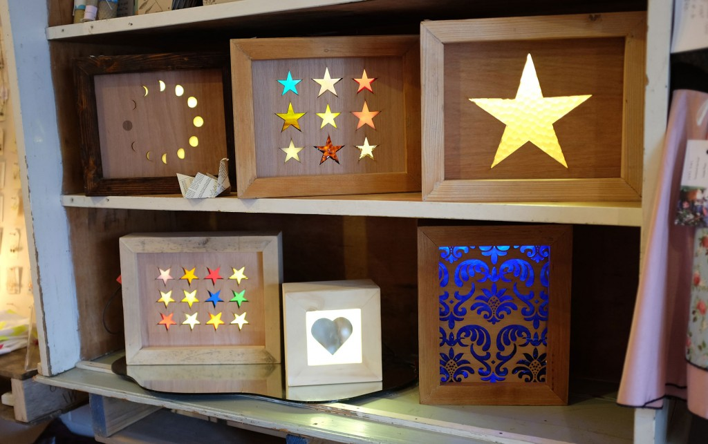 Cocoon light boxes