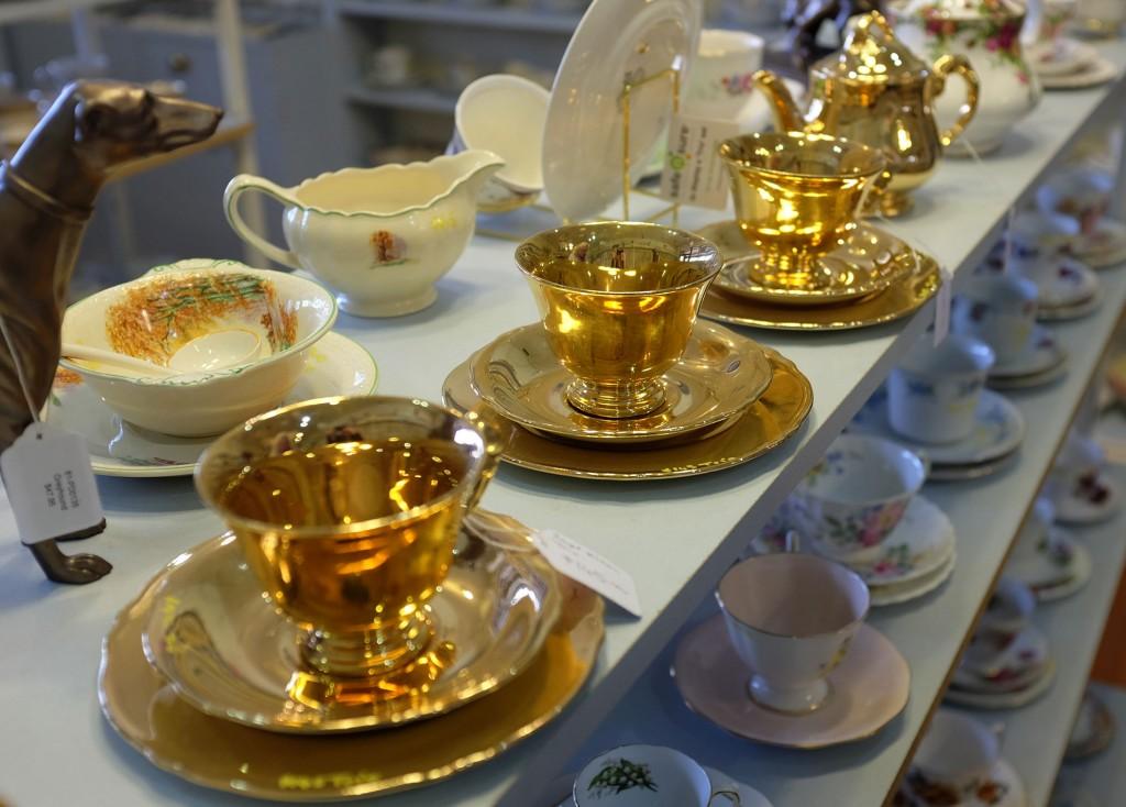 Gold Teacups