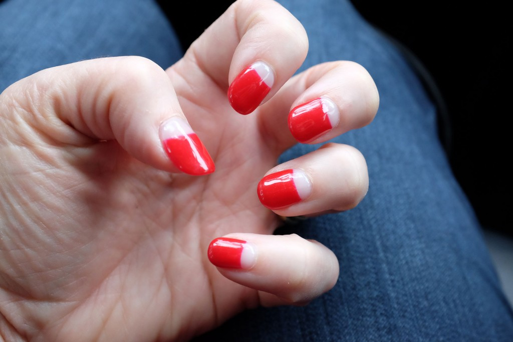 Halfmoon manicure