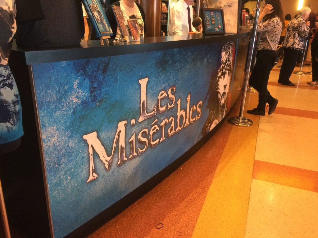 Les-Miserables-Sign