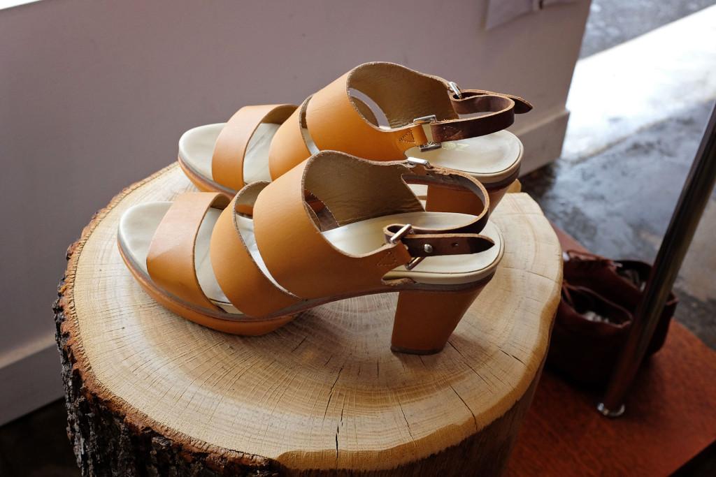 Larry-Sandals
