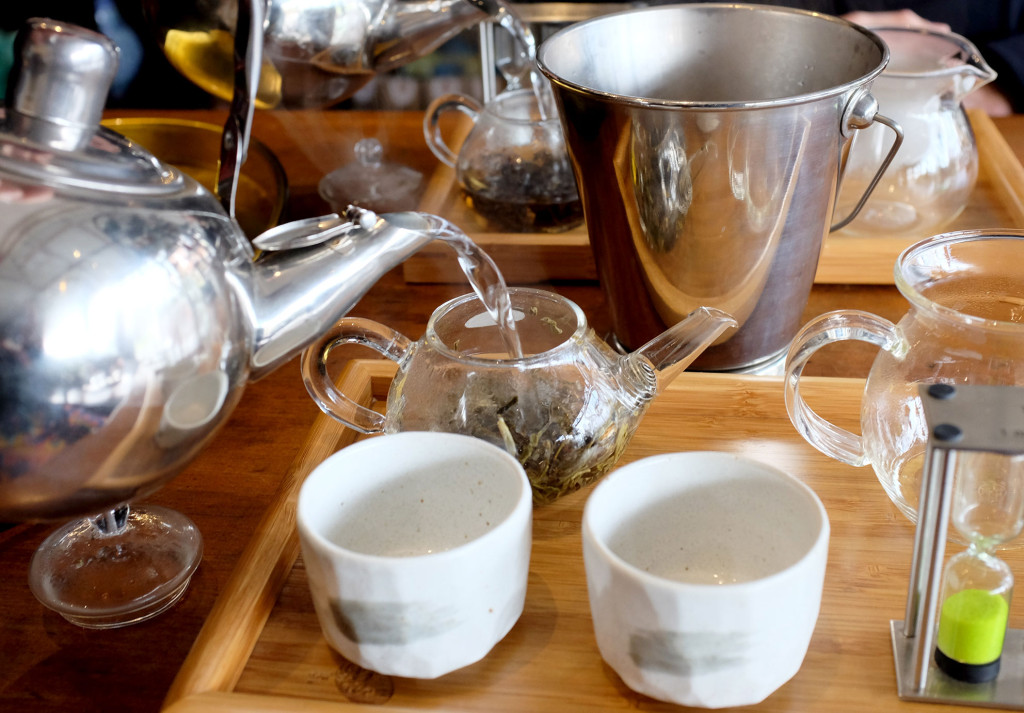 Pouring-Tea-Teapot