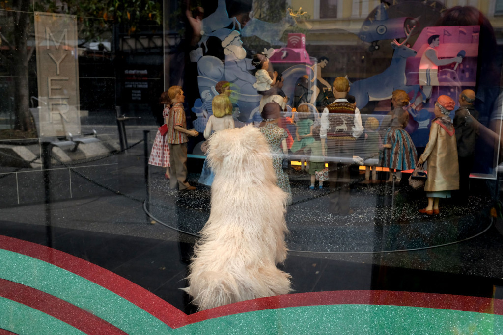 Myer-Melbourne-Christmas-Windows-2015-little-dog