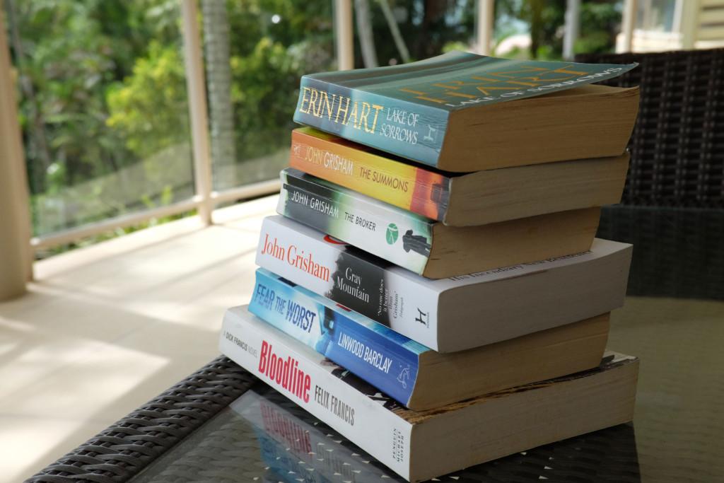 Island-Point-Villas-No-4-Books