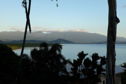 Port-Douglas-dawn