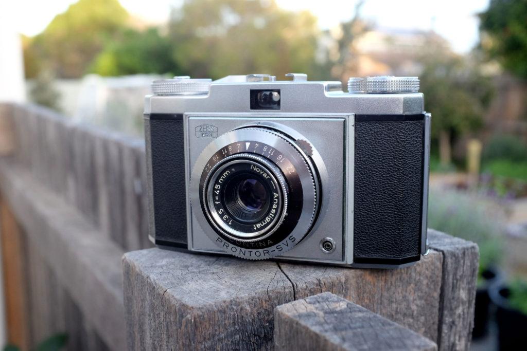 Zeiss-Ikon-Contina-1a-camera