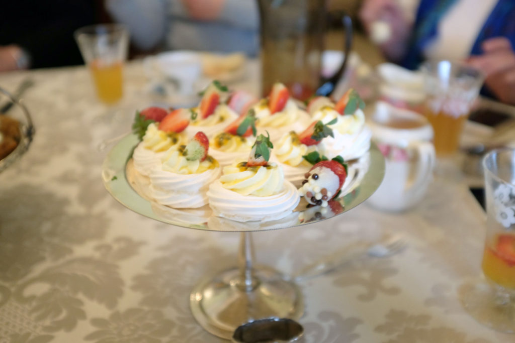 Rose-Hill-on-Barkly-meringues