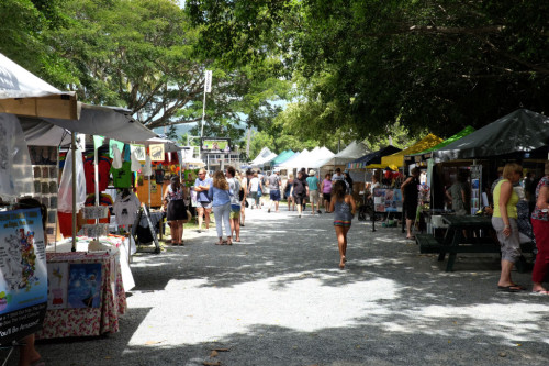 Port-Douglas-Market