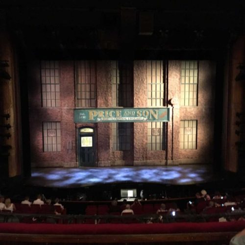 Kinky-Boots-Stage